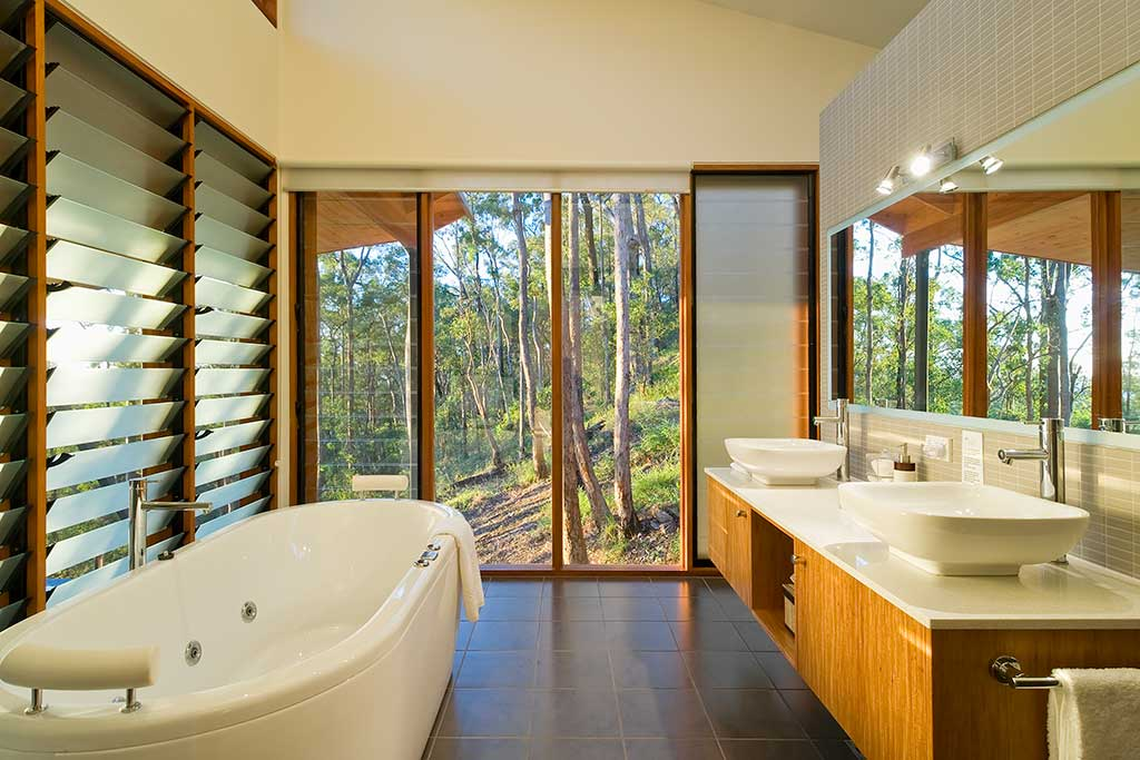 Ruffles Lodge_bathroom, Day spa,